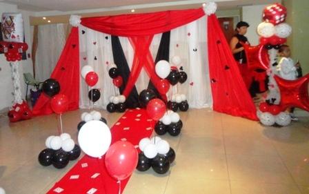Decoracion telas y globos for Decoracion con globos precios